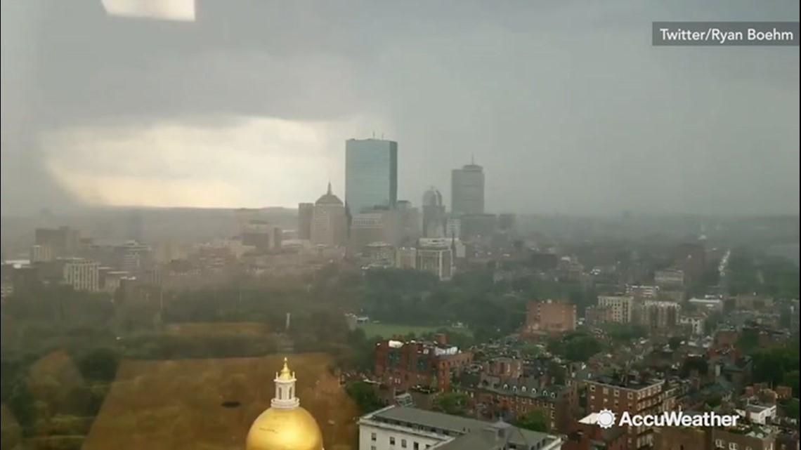 Lightning from the twenty-first-floor