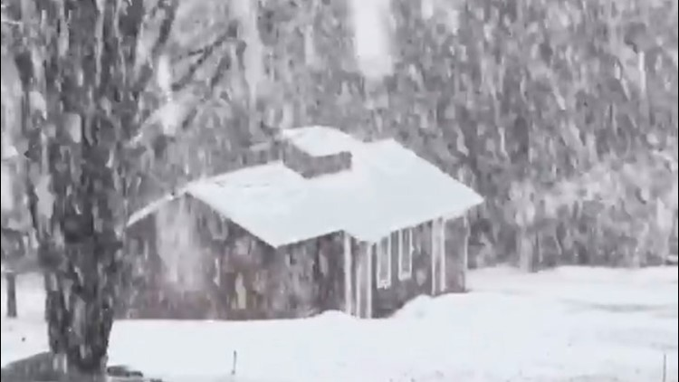 Heavy snow pours on New Hampshire