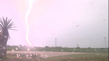 Wow! Lightning bolt flashes in slow motion