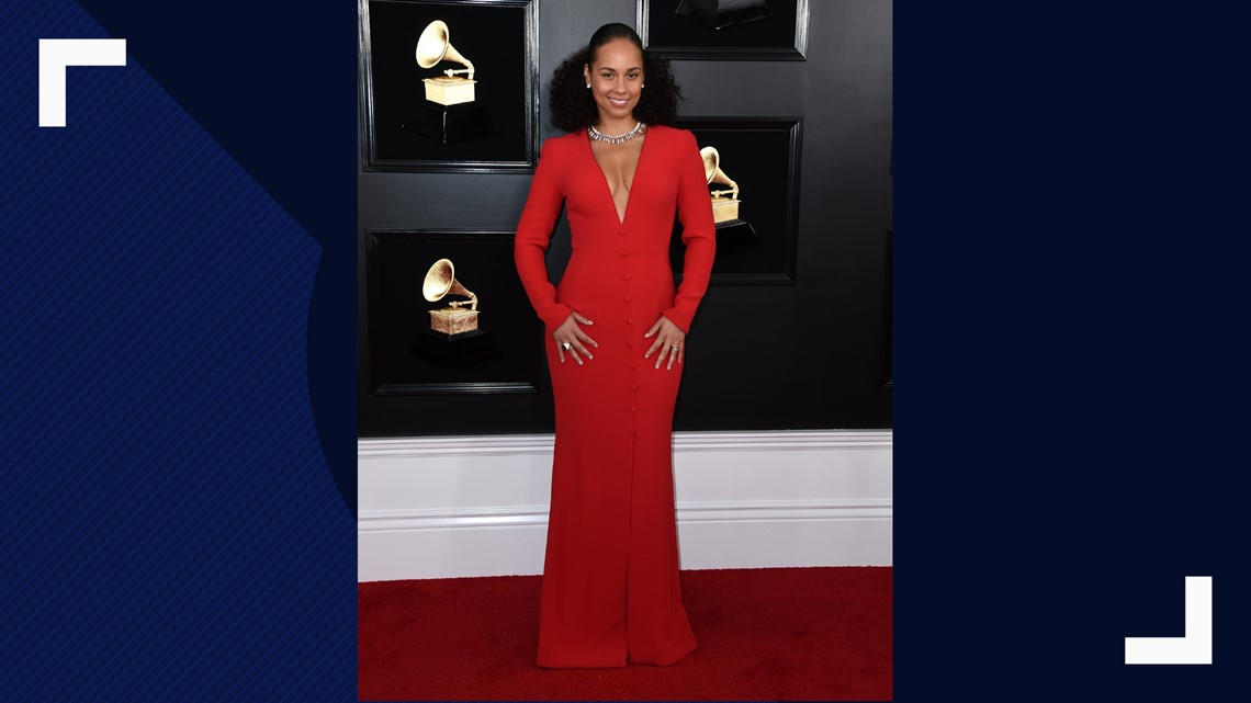 4c37a47afc4e27 Alicia Keys arrives at the 61st annual Grammy Awards at the Staples Center  on Sunday