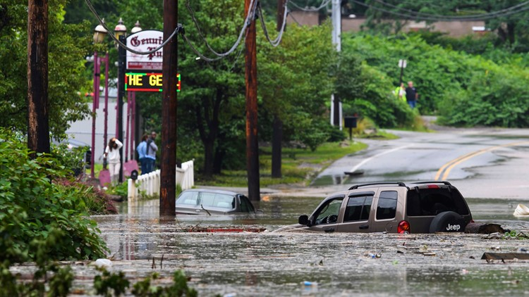 Pennsylvania Flooding cars trapped in floodwater July 11