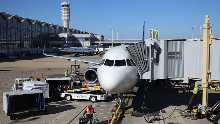FAA giving DCA and IAD millions to increase efficiency and safety