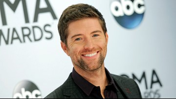 Bus crashes carrying country singer Josh Turner's road crew, 1 dead