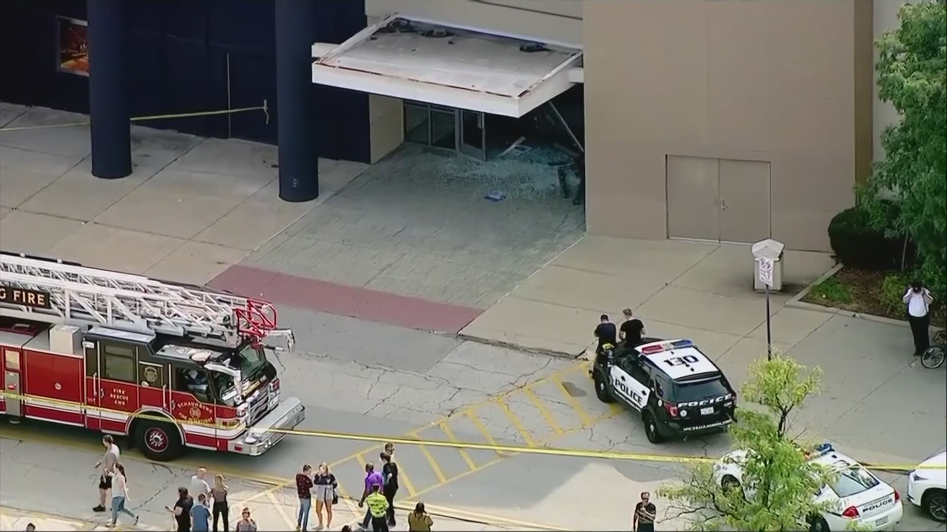 suv plows through woodfield mall wusa9 com suv crashes rolls through suburban mall