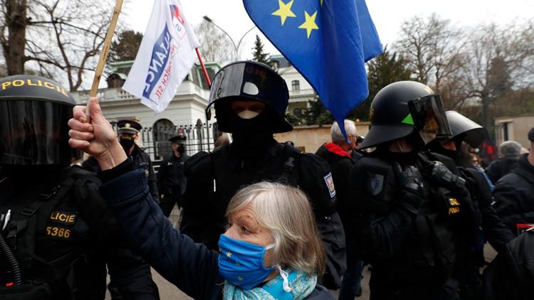European Union foreign ministers talk amid uproar over Ukraine, Navalny