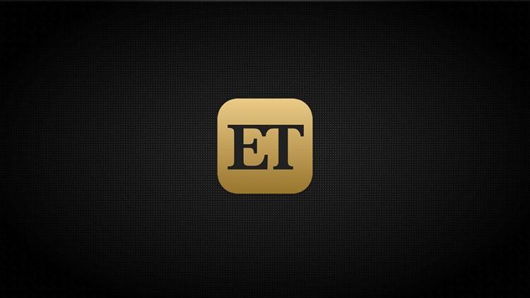 Miranda Lambert Says Husband Brendan McLoughlin Loves Getting 'Glam' for the Red Carpet (Exclusive)