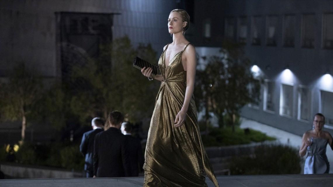 Westworld Costume Designer Talks Dolores Futuristic Fashion And That Gold Transformation Dress Exclusive Wusa9 Com