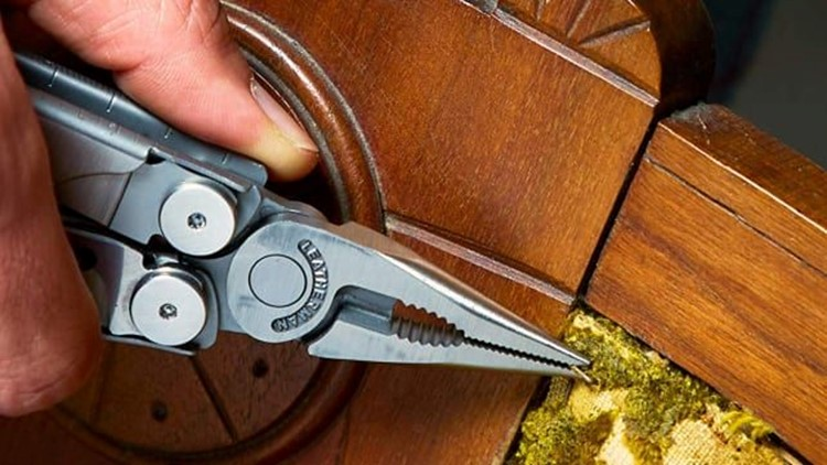 Gifts-for-him-2018-leatherman-wave-multitool.jpg