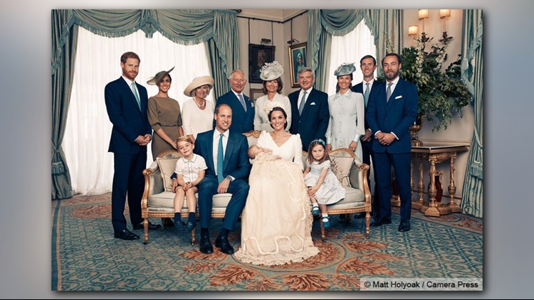 The extended family portrait at Clarence House. (Photo: Matt Holyoak, Camera Press)