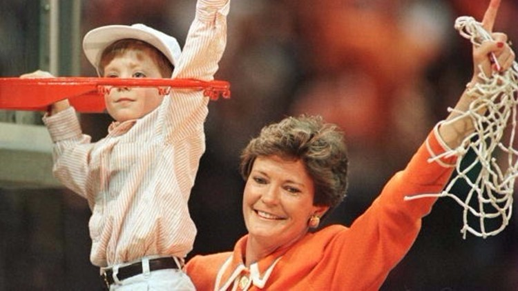 Legendary Tennessee Lady Vols coach Pat Summitt dies at age 64