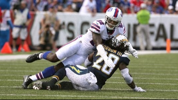 Teammates appalled as Vontae Davis quits Buffalo Bills at halftime of loss to Chargers