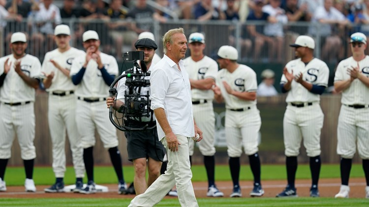 'This is unreal': Social media reacts to Kevin Costner, MLB Field of Dreams game