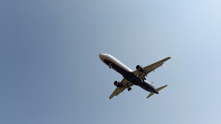 Reports: Pilot sees 'guy in a jetpack' while landing at LAX