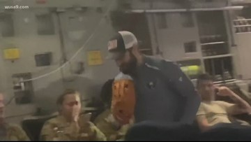 Nationals Adam Eaton and Aaron Barrett play catch on C-17 military plane, visit troops
