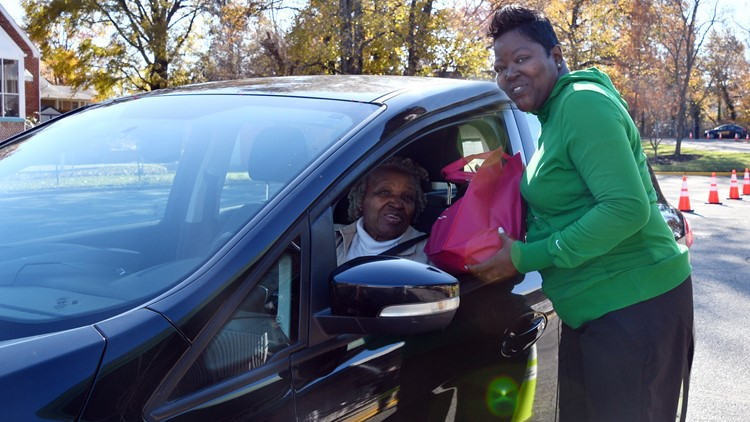 Wanda Durant, mother of NBA player Kevin Durant, hands out free turkeys