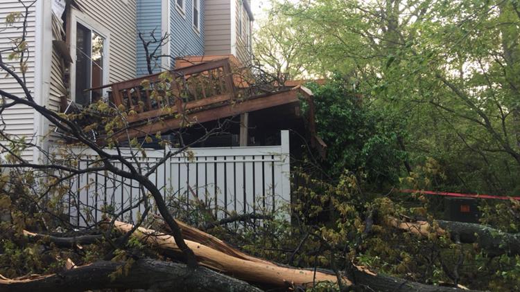 EF-0 tornado leaves path of damage through Reston