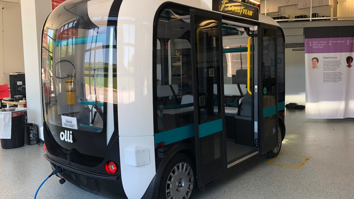 This shuttle has no driver, is made from a 3D printer, and you can ride it this summer
