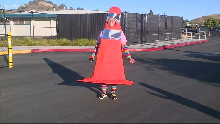 This Assistant Principal dresses up as a safety cone every day. Here's why | Get Uplifted