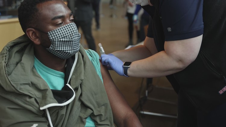Southwest DC mass vaccination site opens at Arena Stage