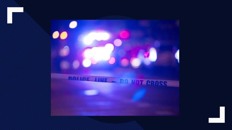 2 hospitalized after crash in Centreville