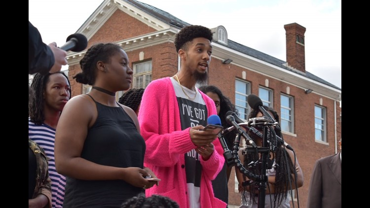 Students meet with board of trustees after Howard U. financial aid scandal