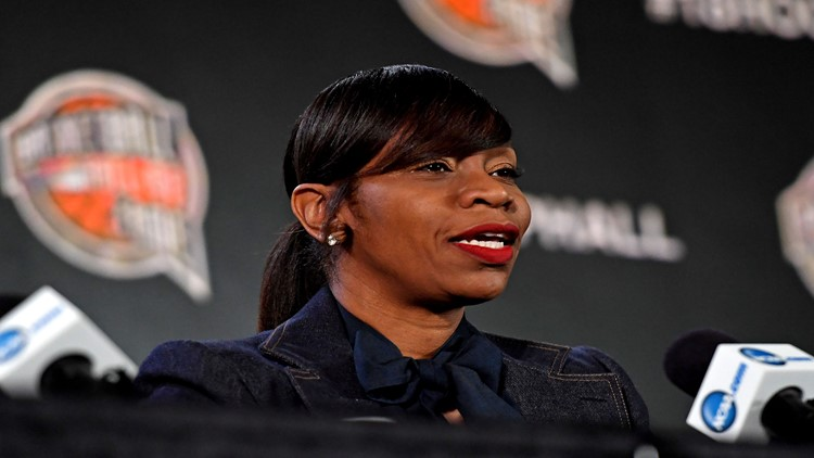 Virginia has hired former WNBA star Tina Thompson to coach its women's basketball team.