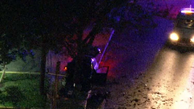 Off-duty police officer saves woman, teen from fiery car crash