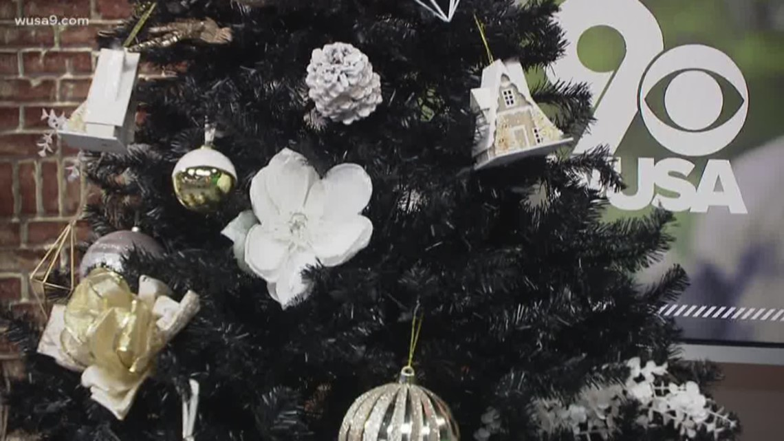 4 tips on hosting a memorable holiday party