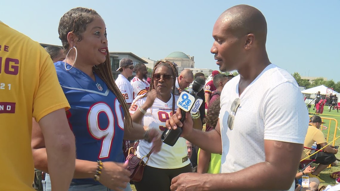 Washington Football Team star Chase Young lets his mom wear Pro Bowl jersey during training camp