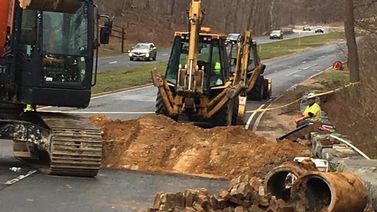 Sinkhole closes part of George Washington Parkway's northbound lanes through weekend