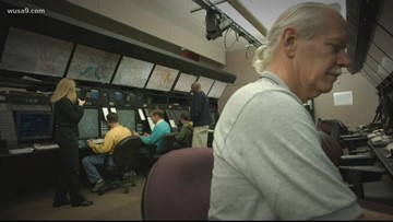 'Long overdue' plan would pay air traffic controllers during a government shutdown