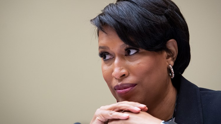 Maskless photos of DC Mayor at a wedding circulates online. Here's what her office says happened