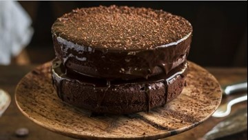 Sugar-free and gluten-free chocolate cake recipe