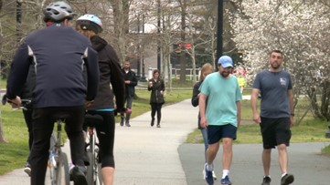 DC parks see mixed crowds following calls for greater social distancing