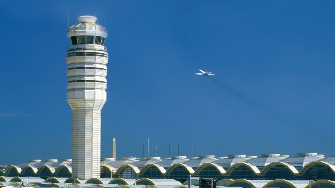 Control tower at Reagan National Airport evacuated, prompts delays