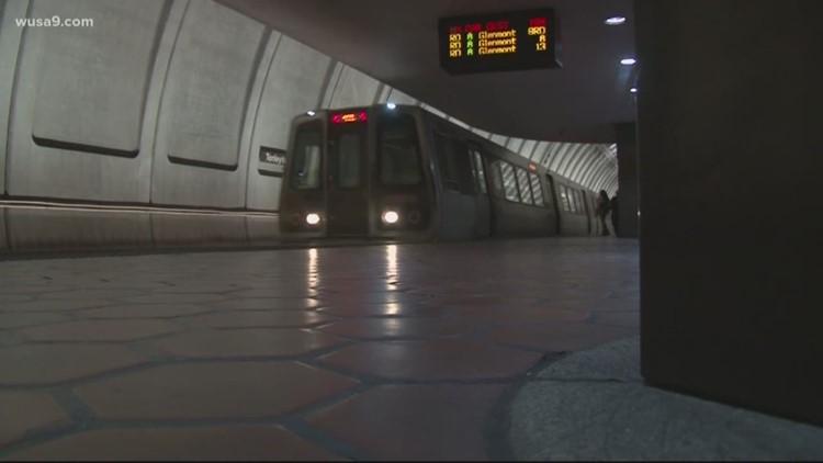 Metro closes at 9 pm, buses stop running at 11 pm during coronavirus pandemic