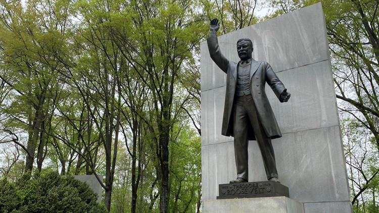 Visit the largest presidential memorial at Theodore Roosevelt Island | Get Up Getaways