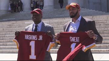 Redskins introduce draft picks at iconic DC landmark