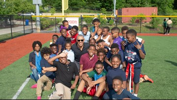Watch these adorable kids freak out when Barack Obama crashes their practice