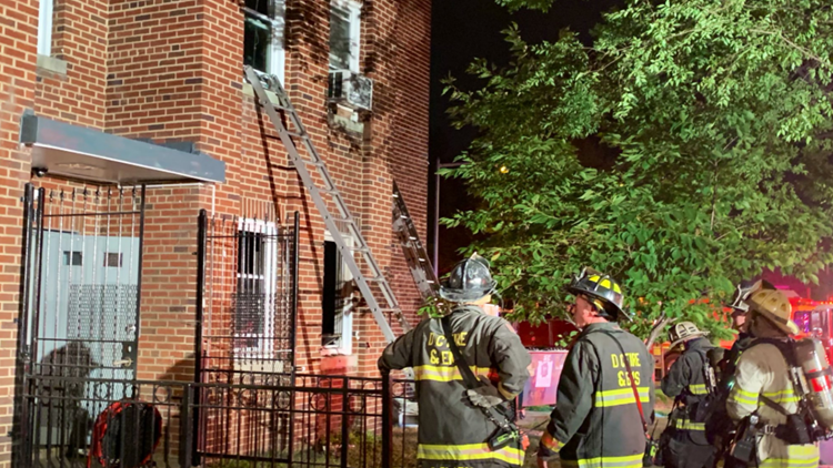 10 displaced after apartment fire in Northwest DC