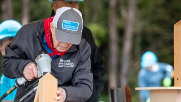 President Jimmy Carter, first lady join country music stars, hundreds of volunteers at Nashville Habitat build